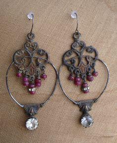 Effortless - The Earrings  $125.00  www.parispanacheantiques.com