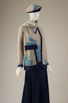Sportswear Ensemble    Sportswear ensemble, navy blue, turquoise, and ecru wool, circa 1929, France, museum purchase.    Photography ©MFIT, 2009