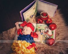 12cc36d086aa9a2c00bfe239c6fbcd9e.jpg 750×600픽셀 Disney Princess Babies, Baby Princess, Foto Newborn, Newborn Shoot, Poses Photo, Photo Shoots, Newborn Pictures, Baby Pictures, Newborn Baby Photography