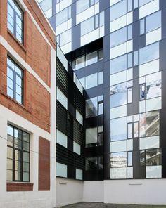 Metropolis Centre / Bureau XII - window grid - http://www.archdaily.com/381723/metropolis-centre-bureau-xii/51abec3db3fc4b3b0e0000ba_metropolis-centre-bureau-xii_05_mihail_novakov-jpg/