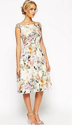 ASOS WEDDING - Robe de bal de fin d'année mi-longue fleurie (103€) | ASOS Lance Sa Gamme Mariage | POPSUGAR Fashion France