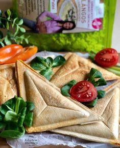 Szendvics Reform lángos lisztből Paleo, Hummus, Gluten, Cheese, Dishes, Healthy, Tableware, Ethnic Recipes, Food