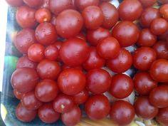 Nakládaná rajčata ve vlastní šťávě Vegetables, Fruit, Food, Cooking, Essen, Vegetable Recipes, Meals, Yemek, Veggies