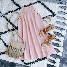 OUTFITS PARA ESTE VERANO EN COLOR ROSA Hola Chicas!!! Te gusta el color rosa, te dejo una galeria de fotografias con outfits para este verano en color rosa para jovencitas, todos son muy lindos. ready to rush sugar link ~ Lulus.com