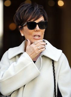 Hair Beauty - Parisian chic: The mother-of-six certainly looked the part as she sauntered around the French capital Cabelo Kris Jenner, Kris Jenner Hair, Kris Jenner Style, Short Sassy Hair, Short Grey Hair, Short Hair Cuts, Short Hair Styles, Chris Jenner Haircut, Celebrity Makeup Looks