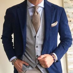 Suit and tie fixation Older Mens Fashion, Mode Man, Fashion Network, Dapper Men, Suit And Tie, Well Dressed Men, Gentleman Style, Wedding Suits, Stylish Men