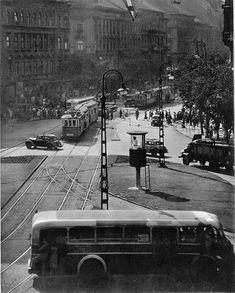 1950-es évek, Marx (Nyugati) tér. Old Pictures, Old Photos, Vintage Photos, Travel Around The World, Around The Worlds, Marx, Budapest Hungary, Vintage Photography, Historical Photos