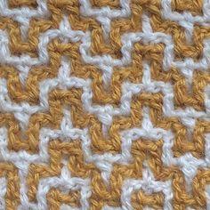 Interlocking crochet! Zo gaaf!#echtstudio #workshop #interlockingcrochet #haken #haakuitdaging Filet Crochet, Crochet Stitches, Knit Crochet, Afghan Blanket, Tapestry Crochet, Havana, Crochet Projects, Crocheting, Diy And Crafts