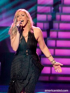 Elise Testone on American Idol. Aldo shoes and Rich Rocks and House of Harlow jewelry.