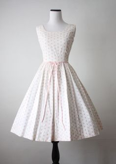 1950's dress #dress #1950s #partydress #vintage #frock #silk #retro #teadress #petticoat #romantic #feminine #fashion #polkadotsprint