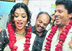 Bollywood News Kochi Malayalam Film Actress Rima Kallingal Today Tied The Knot With Director Aashiq Abu At Sub Registrar S Office Near Here