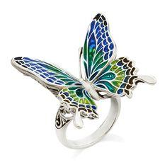 ファルファッラ・スプレンディド(プリカジュール) ネックレス大 k.uno 蛹から華麗に変身する蝶は、変化・成長の象徴。さらに輝く女性へと成長し続ける貴女へ。 職人の手作業により生み出される「七宝焼き」には、それぞれの色合いに個性があります。