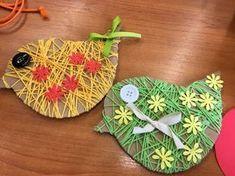 TVOŘÍM, TVOŘÍŠ, TVOŘÍME: ŠKOLA Bird Crafts, Animal Crafts, Diy And Crafts, Arts And Crafts, Paper Crafts, Spring Crafts For Kids, Diy For Kids, Spring Art, Jar Gifts