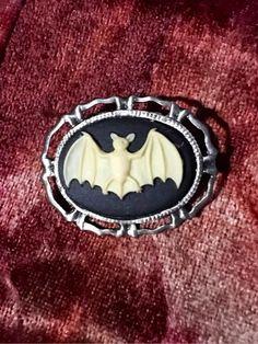 Bella Bat Brooch/Badge