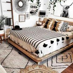 King Bed Covers, Western Bedroom Decor, Western Bedrooms, Rustic Master Bedroom Design, Bedroom Modern, Moroccan Bed, King Size Blanket, Deco Studio, Boho Living Room