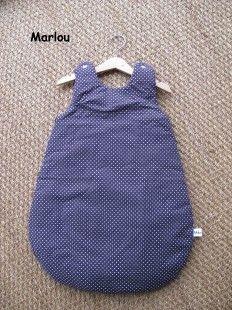 Gigoteuse Turbulette - Prune petit pois blanc - Marlou - de 0 à 9 mois : Mode Bébé par marlou-creations sur ALittleMarket