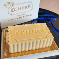 """皆さん""""エシレバター""""って知ってますか?フランス発祥で世界的に認められている最高級バターです。そんなエシレバターでできた「ガトーエシレ」というエシレバターのケーキが絶品すぎて、開店前から売り切れるという事態が発生しているのだとか!丸の内のエシレバター専門店「エシレ・メゾン デュ ブールでしか手に入らない、1日15個限定のガトーエシレをご紹介♪"""