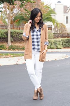 It's Totally Okay to Wear White Jeans in the Winter