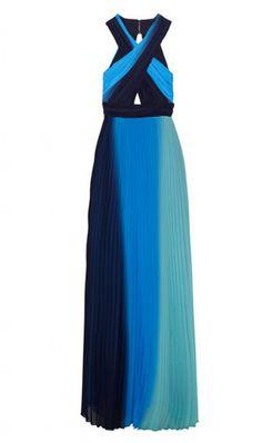 Para una boda en la playa elige un vestido maxi con telas vaporosas y de un lindo color!!!!