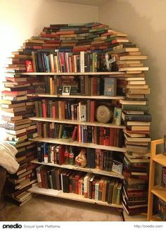 I& been looking for some book storage solutions for my house and I found so many cool shelves and ideas I thought I& share a few with you! I Love Books, My Books, Read Books, Creative Bookshelves, Book Storage, Book Shelves, Storage Ideas, Storage Solutions, Home Libraries