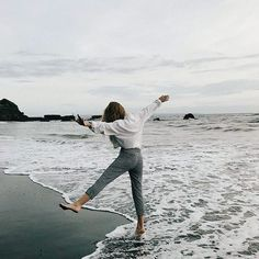 I love to cook, my husband and I collect wine, and in my head, I am usually on island, walking the beach listening to the song of the ocean. Poses Photo, Insta Photo Ideas, Jolie Photo, Summer Photos, Beach Pictures, Beach Bum, Travel Photography, Beach Photography Poses, Capture Photography
