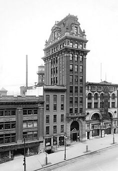 Albany Savings Institution, 100 State St., Albany, N.Y. Office of Alvah S. Newcomb