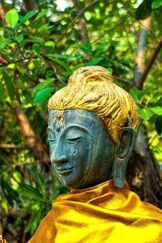 Blondhair Buddha, never seen before....