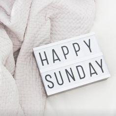 Feliz domingo!! Que disfrutéis y descanséis un montón!!! #BelandSoph #nursery #niños #decor #Deco #lightbox #cajadeluz #grey #light #gris #decorar #decoracioninfantil #deconiños #detalles #regalos #muymolon #molon #vsco #vscocam #sunday #domingo #sundaymood #brunch #goodmorning #domingoscaseros #inspiracion esta preciosa lightbox la podéis comprar en www.belandsoph.com por 24,90€ link en la bio