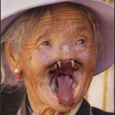 some people have special face that does not look like us. Here we have listed such 10 most scary faces of people from real life you don't want meet in night. Funny Ugly People, Creepy People, Creepy Cat, Strange People, Creepy Stuff, Ugly Guys, Ugly Men, Stupid People, Creepy Pictures