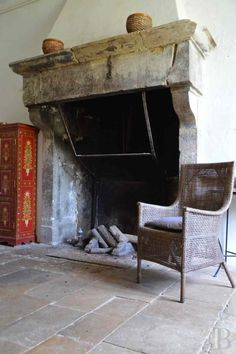 Saracen fireplace common to Medieval French farmhouse. This class of ancient limestone fireplaces reminds historians of the Gallic fireplaces found in Bresse Stone Mantel, Limestone Fireplace, Cozy Fireplace, Fireplace Surrounds, Fireplace Design, Fireplace Mantels, Fireplaces, Fireplace Ideas, Church Conversions