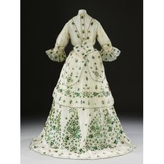 Fripperies and Fobs — Dress, From the V&A Victorian Era Dresses, Victorian Gown, Victorian Fashion, Vintage Fashion, 1800s Clothing, Antique Clothing, Historical Clothing, Vintage Gowns, Vintage Outfits