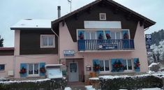 Hotel Restaurant Le Chalet - 2 Star #Hotel - $63 - #Hotels #France #Pierre-Percée http://www.justigo.biz/hotels/france/pierre-percee/le-chalet-pierre-perca-c-e_87135.html
