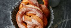 Soft cinnamon pretzels