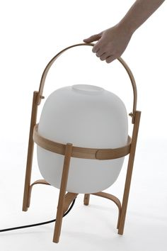 The Cesta floor lamp, design by Miguel Mila for Santa & Cole