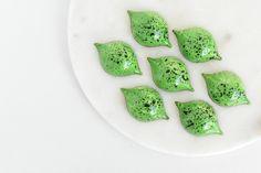 Fyldte Chokolader – Tine's Verden Avocado Toast, Fudge, Sugar, Cookies, Breakfast, Ethnic Recipes, Desserts, Food, Chocolates
