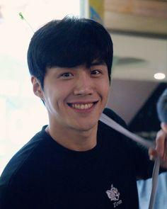 Asian Actors, Korean Actors, Kim Sun, Boys Like, Kdrama Actors, Korean Men, Dimples, Man Crush, Boyfriend Material