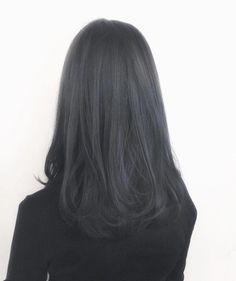 15 Stunning Silver Blonde Hair Color Ideas for 2019 - Style My Hairs Black Hair Ombre, Silver Blonde Hair, Ombre Hair Color, Hair Color For Black Hair, Of Hair, Grey Ombre, Dark Auburn Hair, Dark Red Hair, Hair Color Auburn