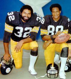 Franco Harris & Lynn Swann Way back when. is the reason I became a Steeler fan all those years ago. Steelers Pics, Steelers Gear, Pittsburgh Steelers Football, Pittsburgh Sports, Steelers Stuff, School Football, Dallas Cowboys, Super Bowl, Lynn Swann