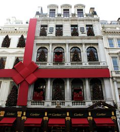 Possibly our most favorite jewelry store. Cartier in Bond Street, London Plaza Athenee Paris, Cartier, Christmas In Paris, Cafe House, Bond Street, London Calling, London Travel, Best Cities, Art And Architecture
