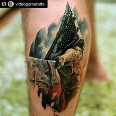 1000 ideas about pyramid tattoo on pinterest egyptian tattoo nefertiti tattoo and triangle. Black Bedroom Furniture Sets. Home Design Ideas