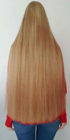 The Effective Pictures We Offer You About wavy hair color A quality picture can tell you many things Wavy Hair Perm, Long Hair Ponytail, Perfect Blonde Hair, One Length Hair, Rapunzel, Glam Hair, Super Long Hair, Silky Hair, Beautiful Long Hair