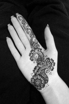 Flower palm henna