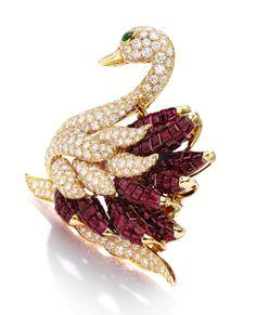 Ruby, Diamond and Emerald Brooch Bird Jewelry, Animal Jewelry, Robins, Antique Jewelry, Vintage Jewelry, Van Cleef Arpels, Christmas Jewelry, Diamond Design, Vintage Brooches