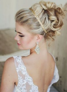 Speed Dating - Trendy Wedding Hairstyles 2017 / Hairstyles Braided Hairstyles For Wedding, Bride Hairstyles, Pretty Hairstyles, Updo Hairstyle, Braided Updo, Summer Hairstyles, Hairstyle Ideas, Headband Updo, Indian Hairstyles