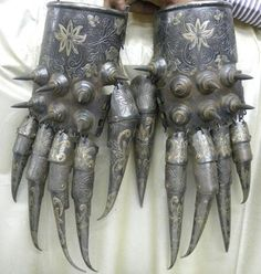 Armour Gauntlets