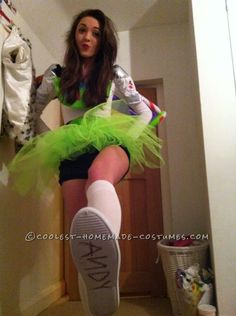 Teenage Girl/Women's Buzz Lightyear Costume... This website is the Pinterest of costumes