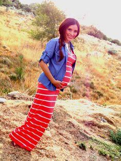 Maxi vestido y camisa vaquera Ideas para embarazadas: http://www.stylesyoulove.es/guia/ropa-de-premama-guia-embarazada-con-estilo