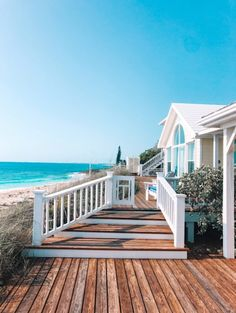 The back of Lysandra's House Beach Aesthetic, Summer Aesthetic, Aesthetic Bedroom, Future House, Dream Beach Houses, Small Beach Houses, Dream House Exterior, House Goals, Dream Vacations