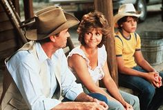 Sally Field and James Garner, and Corey Haim in Murphy's Romance Corey Haim Movies, Perfect Movie, Best Love Stories, Tv Couples, Romance Movies, Hollywood Stars, Classic Hollywood, Great Movies, Film Movie