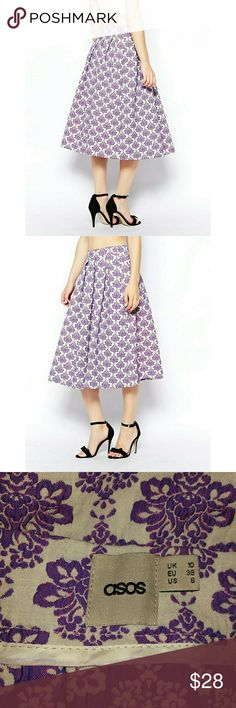 ASOS Full Midi Skirt in Baroque Floral Jacquard Body: 75% Polyester, 23% Cotton, 2% Elastane •Made from a woven poly-blend •High-rise waist •Side zip fastening •Gentle pleating Waist: about 28' Waist to hem: about 29' ● I accept offers Asos Skirts Midi